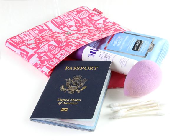 15 Beauty Items You Need in Your Travel Bag